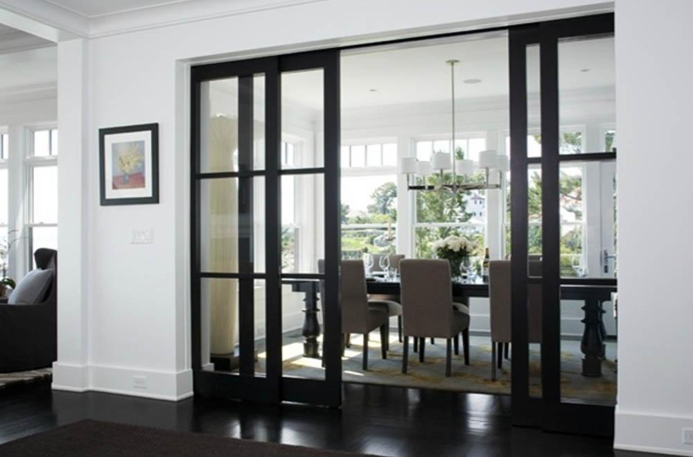 Четырехстворчатая раздвижная дверь Венге с прозрачным стеклом