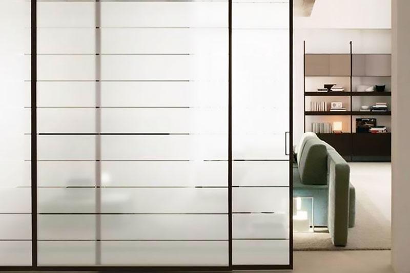 Каскадные двери Loft с закалённым стеклом