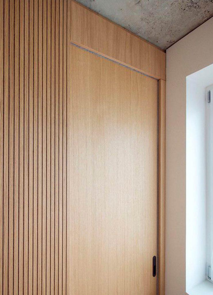 Одностворчатая раздвижная дверь Flat из шпона Дуба, покрытая прозрачным лаком