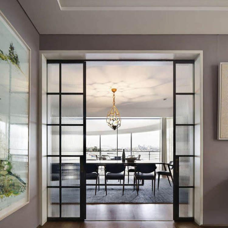 Раздвижная дверь Loft на кухню с прозрачным рифлёным стеклом