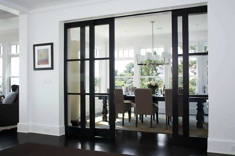Раздвижная дверь пенал Венге с прозрачным стеклом