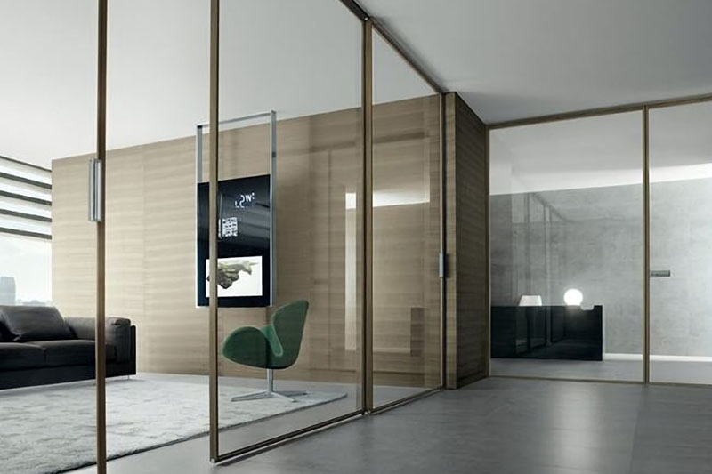 Раздвижная перегородка Loft с эмалированным покрытием.