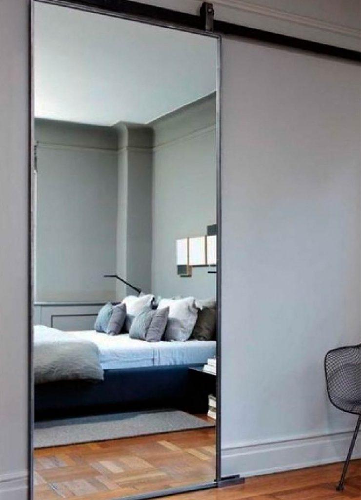 Зеркальная межкомнатная раздвижная перегородка из шпона Венге