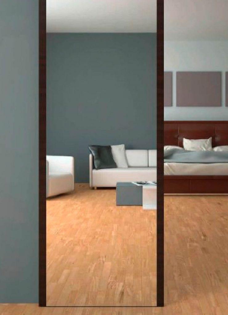Зеркальная раздвижная перегородка из шпона Венге