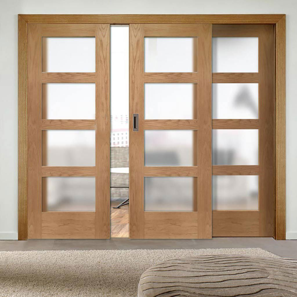 Трехстверчатые раздвижные двери.